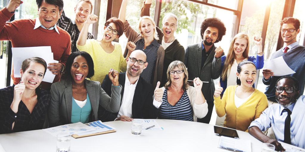 Strahlende Gesichter? Ein Mitarbeiterumzug kann in jedem Fall dazu beitragen.